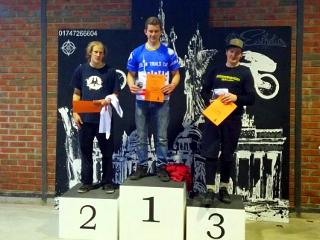 Sönke Südbrock (Mitte) gewinnt den 2. Berliner Trials Cup
