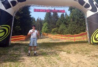 Arie Schindler beim Downhill in Spicak