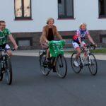 Ehrenamt fährt Fahrrad für guten Zweck